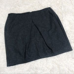 NWT CAbi gray andy skirt 629 Sz 4